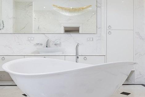צביעת חרסינה בחדר אמבטיה