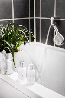 האמבטיה יכולה להיות יפה ועמידה הרבה יותר ע'י ציפוי אמבטיה